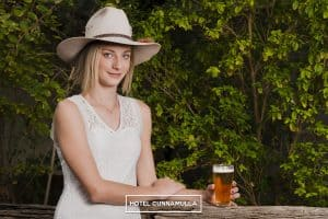 Hotel Cunnamulla Beer Outback Pub