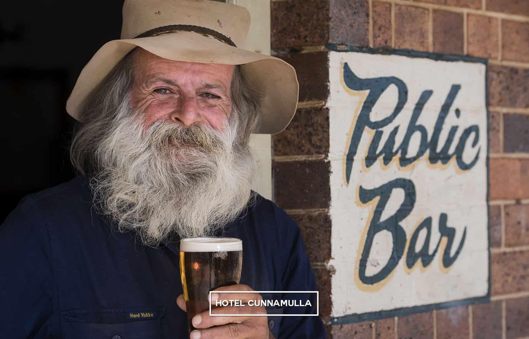 Bushy Mark Thompson at Hotel Cunnamulla