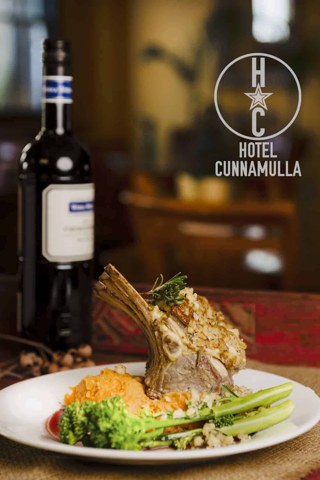 Hotel Cunnamulla Restaurant - food from the farm, not a factory. Our restaurant is the best alternative featuring farm fresh and local produce, liscenced cafe too!